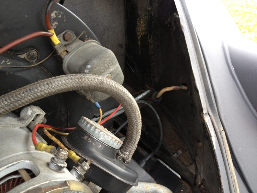 Engine Compartment Rubber Seal Install - 1963 Ragtop VW Beetle